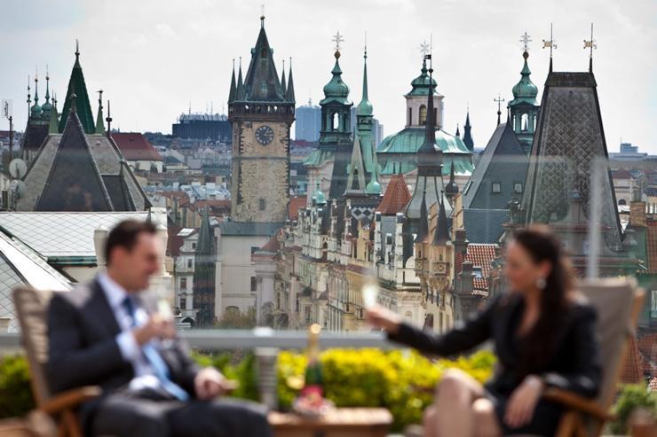 InterContinental Prague - Terrasse avec vue sur le toit de l'hôtel