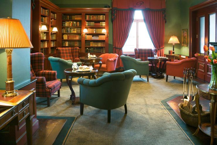 Le Palais Hotel à Prague - Le salon-bibliothèque