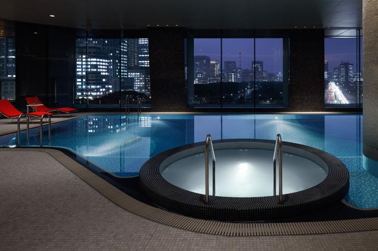 Palace Hotel Tokyo - La piscine du Spa Evian