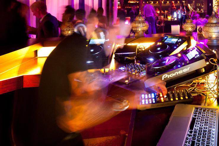 CDLC - DJ Booth