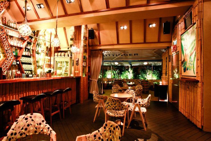 Honi Honi Tiki Cocktail Lounge - Intérieurs