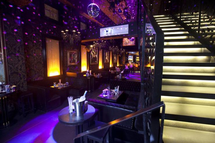 Blackk - Intérieur du bar/club