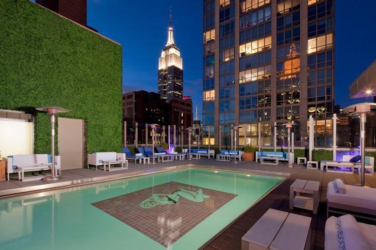 Gansevoort Park Rooftop - La piscine rooftop