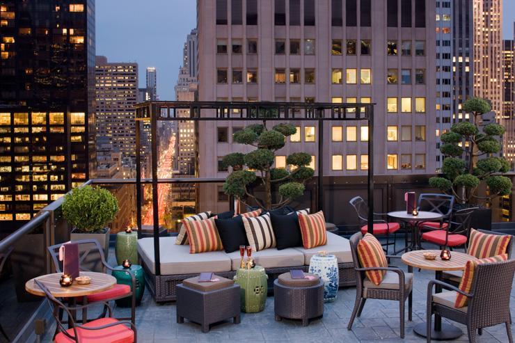 Salon de Ning at Peninsula Hotel New York - Vue sur la 5ème Avenue depuis la terrasse