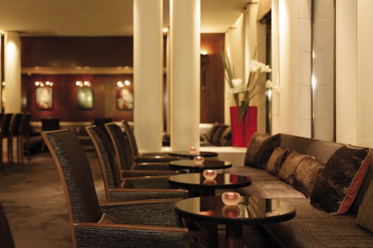 Intérieur du bar au Park Hyatt Paris Vendôme