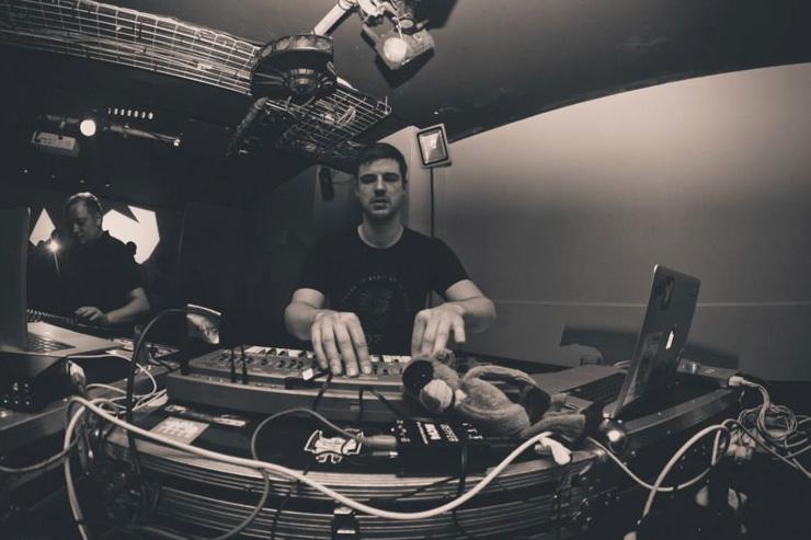 DJ Booth au Rex Club