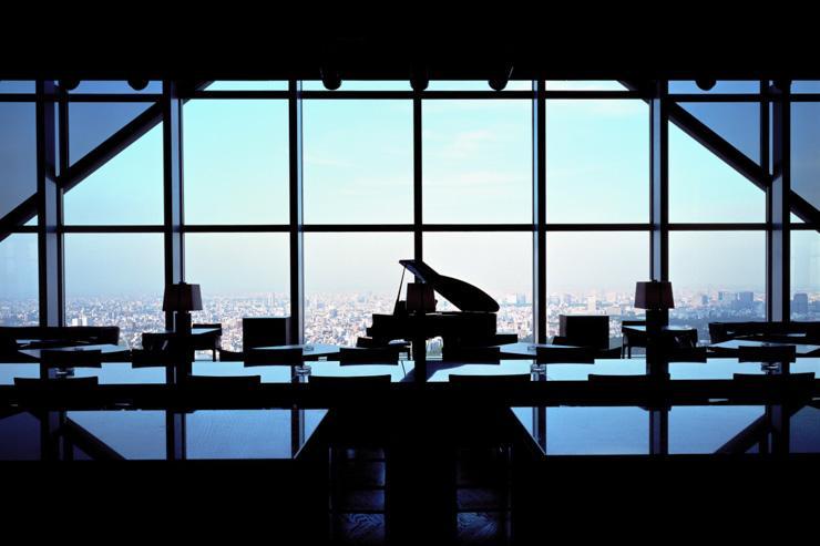 Le New York Bar au Park Hyatt Tokyo - Piano et vues sur la ville