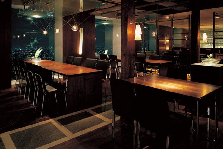 at TAPAS DINING - Intérieur