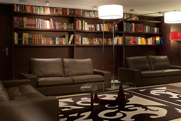 Metropolitan Sagrada Familia - Coin bibliothèque-lounge