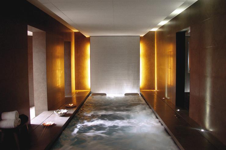 Spaciomm à l'Hotel Omm - Vue d'ensemble de la piscine