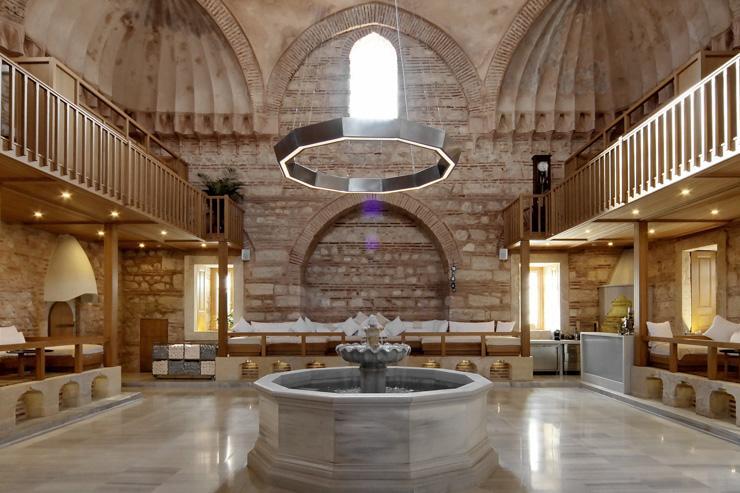 L'intérieur somptueux du Kiliç Ali Paşa Hamamı