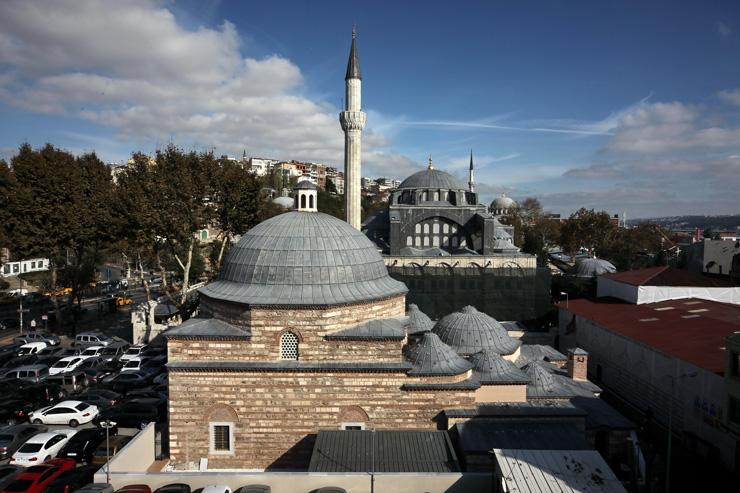 Le Kiliç Ali Paşa Hamamı vu de l'extérieur