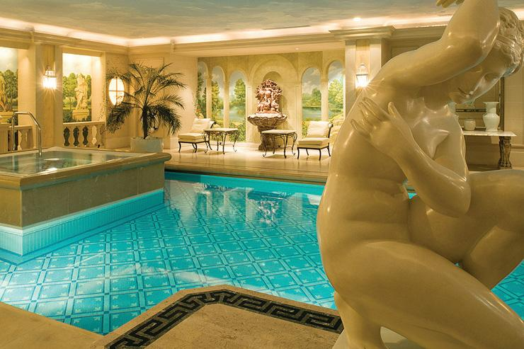 Spa au Four Seasons George V - La piscine