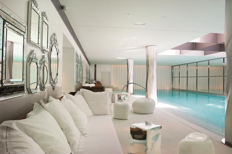 Spa My Blend by Clarins au Royal Monceau Raffles - Au bord de la piscine