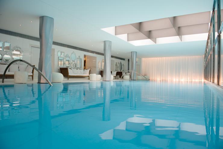 pa My Blend by Clarins au Royal Monceau Raffles - La piscine