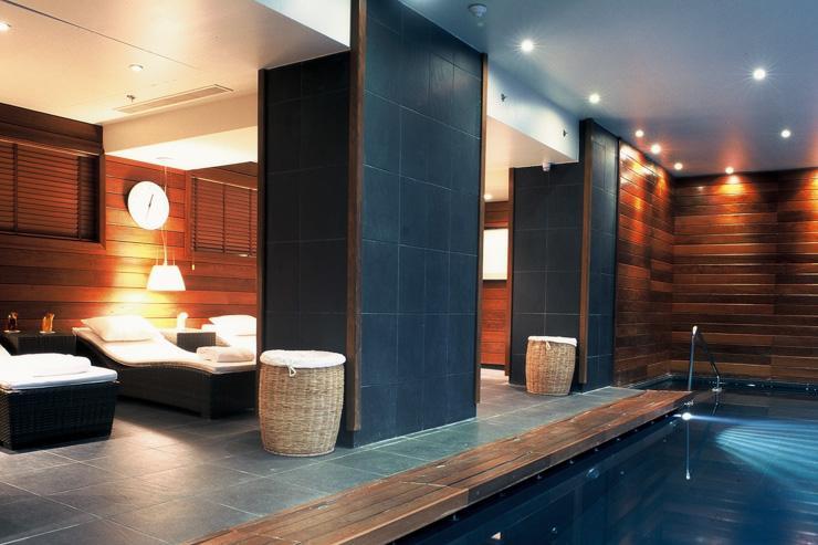 The Vendôme Spa by Asian Villa - Zone de relaxation au bord de la piscine