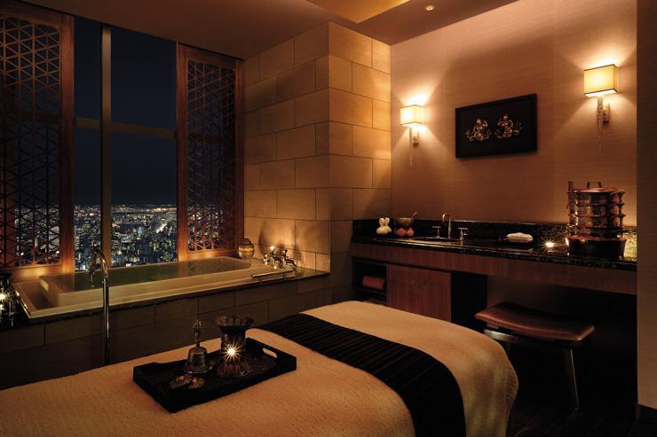 Cabine de soin avec vue au Chi, The Spa au Shangri-La Hotel Tokyo