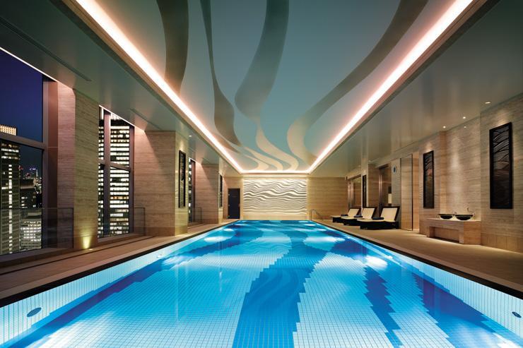 Piscine avec vue au Chi, The Spa au Shangri-La Hotel Tokyo
