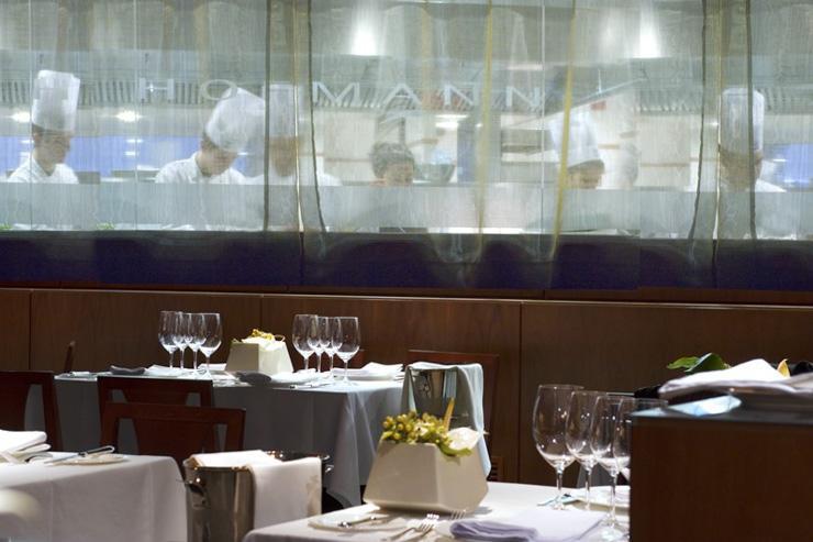 Hoffmann - Cuisine vitrée, ouverte sur la salle à manger