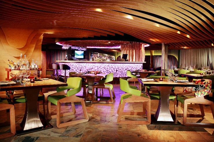 FINDS à The Luxe Manor - Intérieur du restaurant