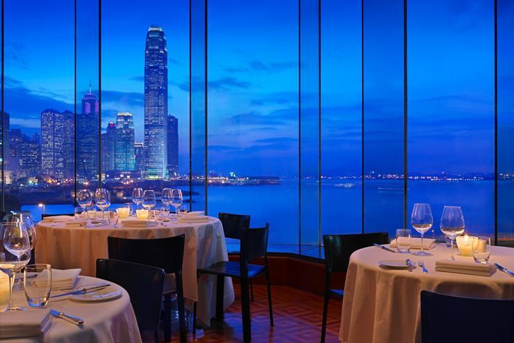 One Harbour Road au Grand Hyatt Hong Kong - Restaurant avec vue
