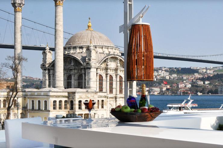 Vue sur la Mosquée d'Ortaköy depuis le restaurant