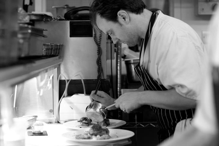 The Ledbury - Le chef Brett Graham à l'oeuvre