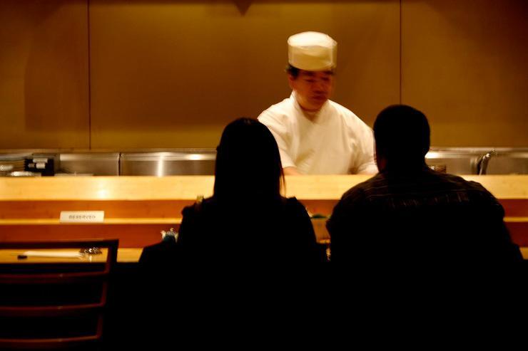 Sushi Yasuda - Les convives installés derrière le comptoir