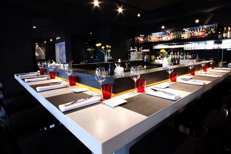 Le comptoir façon bar, pour déjeuner ou dîner de manière plus décontractée