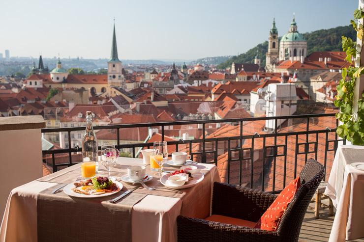 Terasa U Zlaté Studně - Vue depuis la terrasse du restaurant