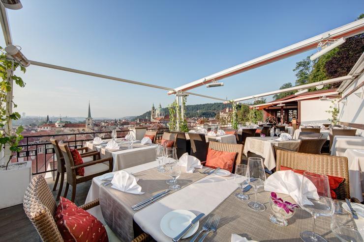Terasa U Zlaté Studně - La terrasse du restaurant