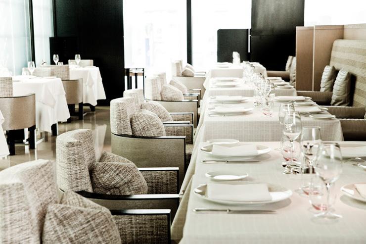 Beige Alain Ducasse Tokyo - Tables dressées