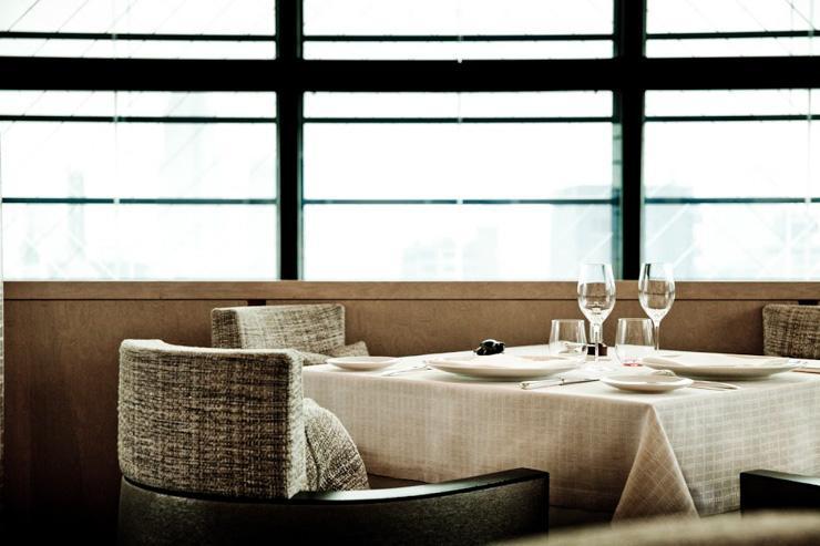 Beige Alain Ducasse Tokyo - Table dressée