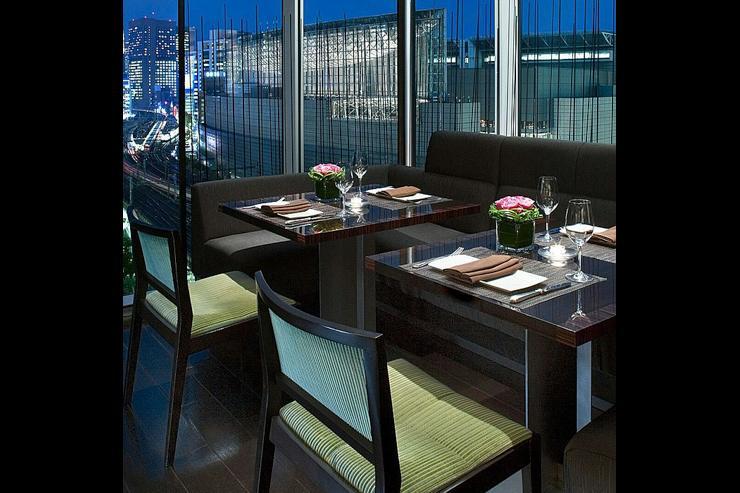 Ekki Bar & Grill au Four Seasons Marunouchi - Intérieur du restaurant
