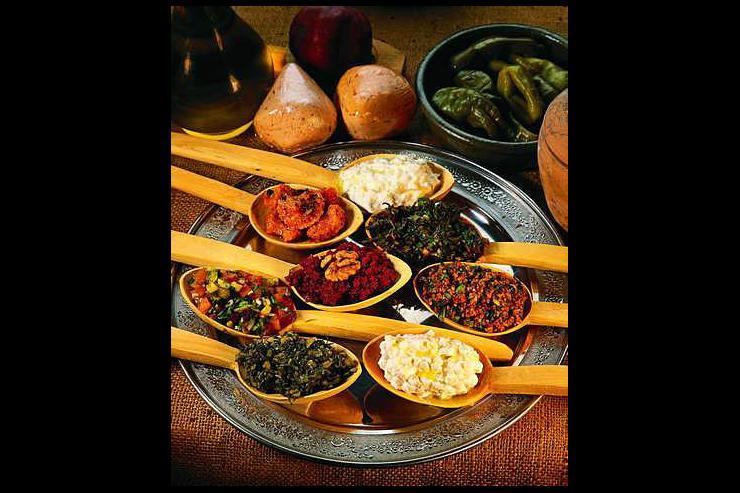 Plat turc traditionnel servi au Ciya Sofrasi