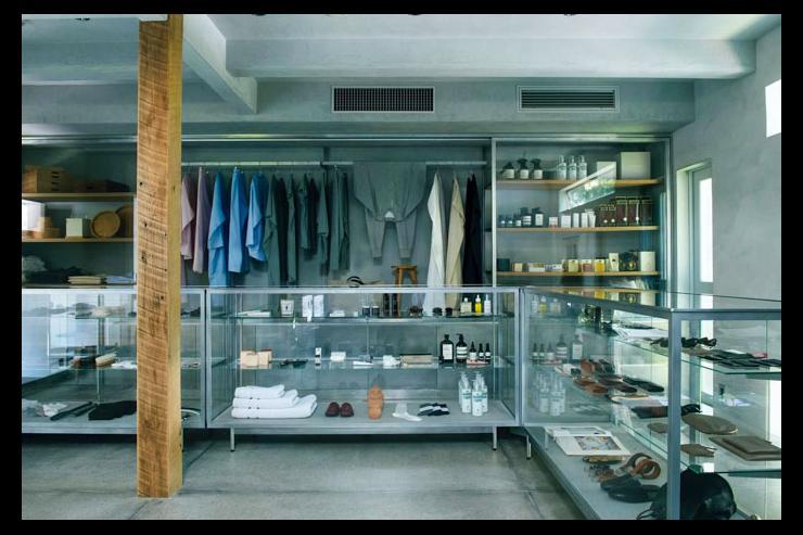Arts & Science Aoyama - Vitrine du flagship store