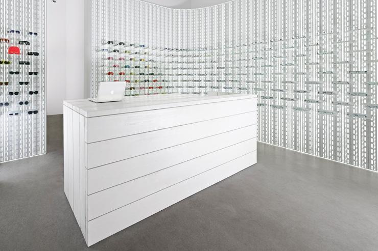 Mykita - Le minimalisme est de mise dans la boutique