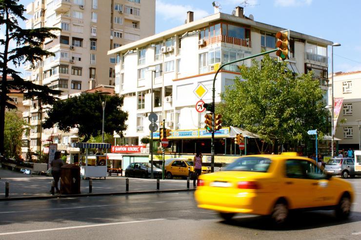 Taxi sur Bağdat Caddesi