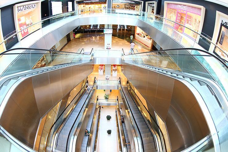 Escalators dans le mall des Trump Towers