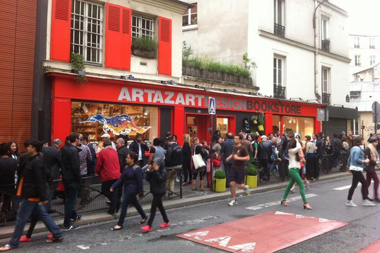 La façade rouge d'Artazart