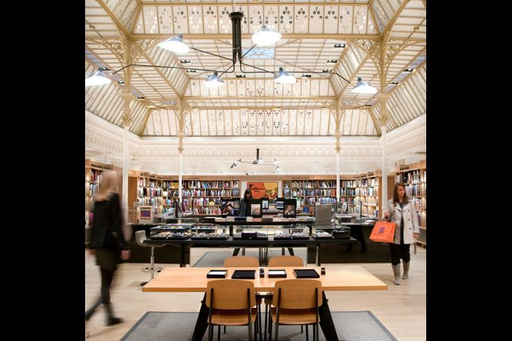 Le Bon Marché - Espace librairie au dernier étage