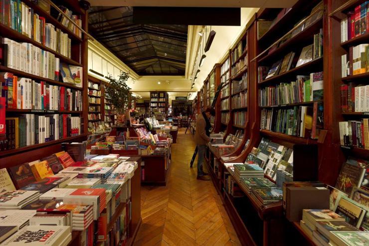 Intérieur de la librairie Galignani