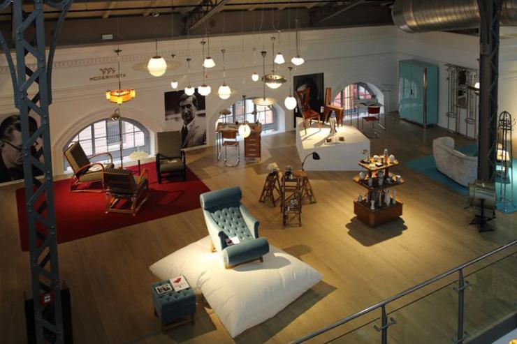 Les collections de Modernista, mises en avant dans le spacieux flagship store de Vinohrady