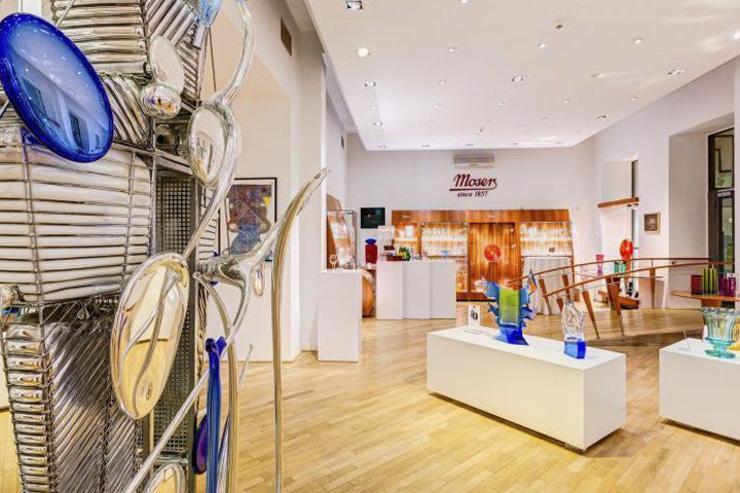 Intérieur du flagship store Moser à Prague