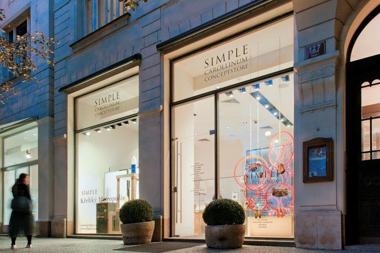 Façade du concept store SIMPLE sur Pařížská