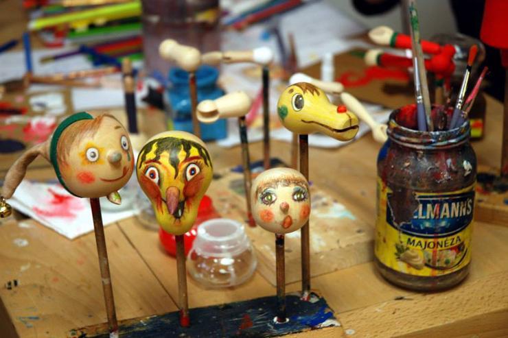 Fabrication artisanale des marionettes par Truhlář Marionety