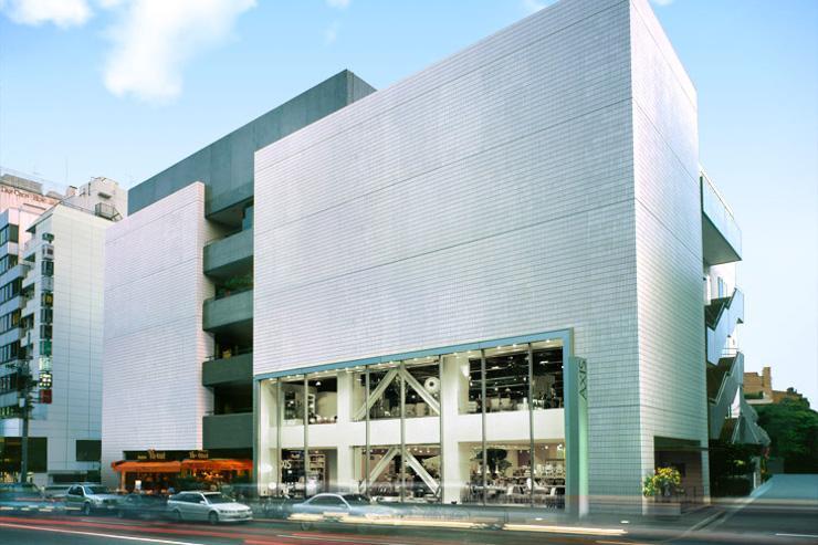 Axis Building - Le bâtiment vu de l'extérieur