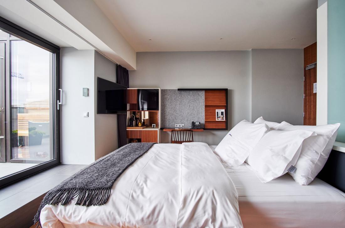 ion city hotel la nouvelle adresse design de reykjavik. Black Bedroom Furniture Sets. Home Design Ideas