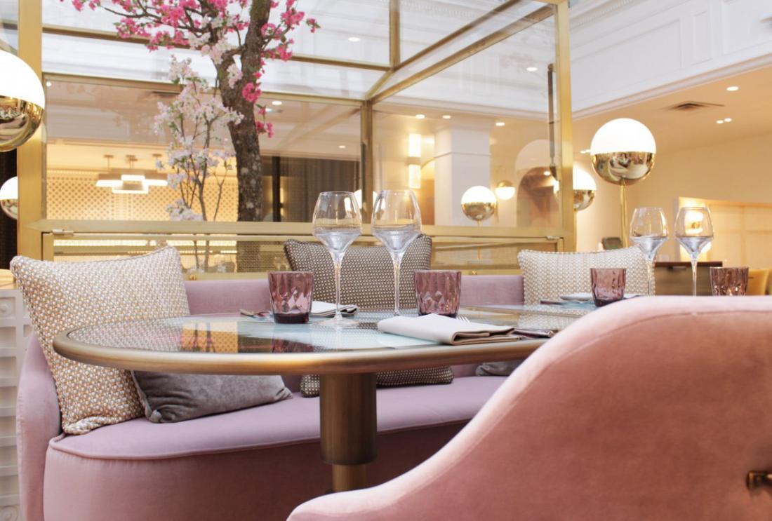 C'est sous une grande verrière que le restaurant Rivage proposera une cuisine qui fait une halte sur tous les rivages de la Méditerranée.