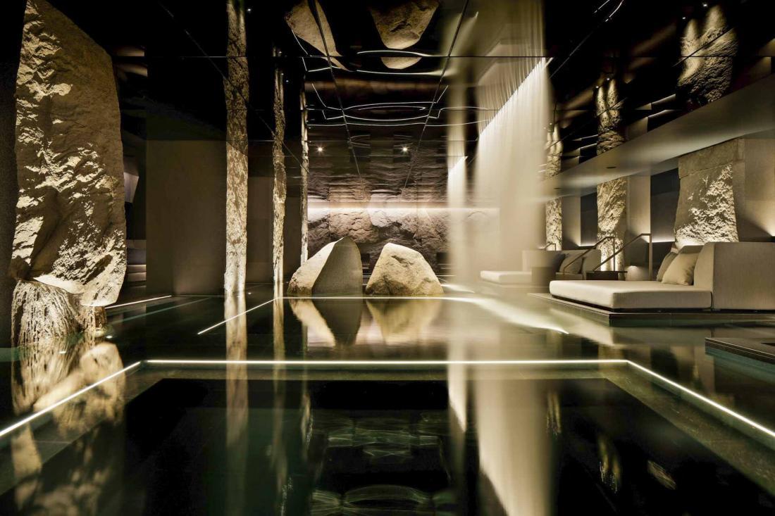 Le bain puise son eau thermale à plus de 1000 mètres de profondeur
